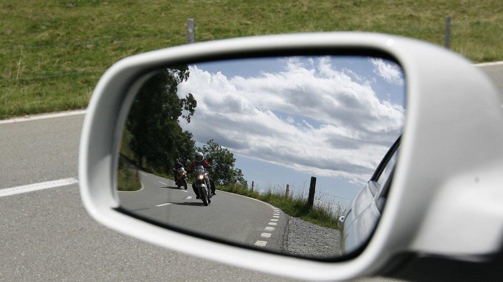 Le prévenu a admis avoir roulé à moto à presque 180 km/h sur un tronçon limité à 100 km/h, avec son fils sur le siège passager.