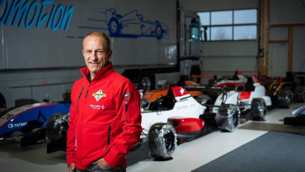 Christophe Hurni vient d'être sacré champion du monde et d'Europe du Ferrari challenge, en course automobile.