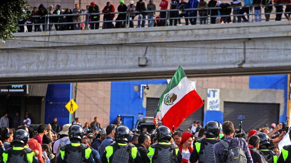 Dans la ville mexicaine de Tijuana, des milliers de migrants provenant d'Amérique latine patientent avant d'entrer aux Etats-Unis.