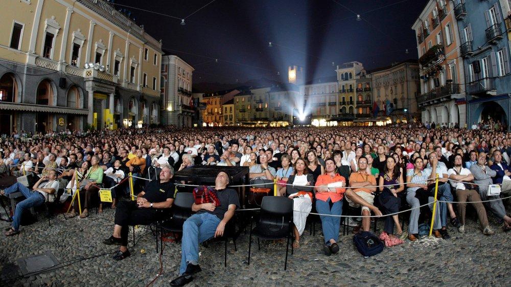 «La moitié du Parlement a déjà été à Locarno sur invitation de La Poste ou des CFF», entend-on dans les couloirs du Palais fédéral.