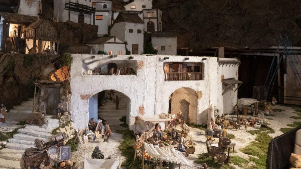 800 figurines, 200 mètres carrés, des mois de préparation… La crèche qui stimule les cinq sens ouvre ses portes, ce samedi, au temple des Eplatures à La Chaux-de-Fonds.