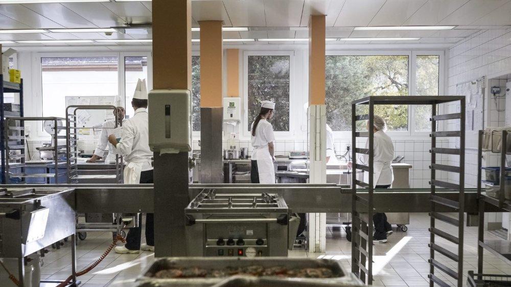 Les cuisines de l'HNE (ici, une image d'illustration) fonctionnaient en partie avec des caisses noires pour les banquets commandés par les collaborateurs.