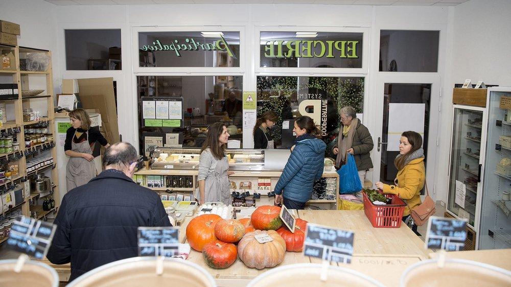 Pour pouvoir acheter des produits de l'épicerie Système B, à Neuchâtel, il faut y travailler.