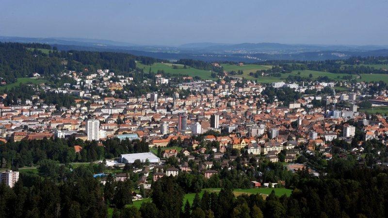 160 personnalités étaient présentes au théâtre de L'Heure bleue, à La Chaux-de-Fonds, pour les dix ans de l'organisme de développement territorial arcjurassien.ch.