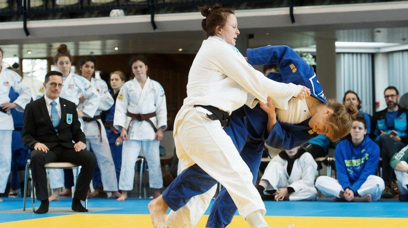 Larissa Csatari (en blanc) a contribué à la belle performance réalisée par le JC Cortaillod.