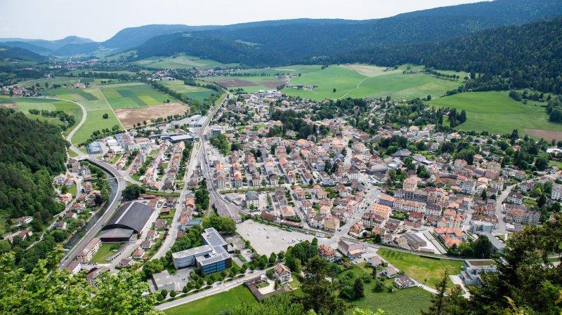 Val-de-Travers prévoit un exercice 2019 difficile, mais qui n'empêchera pas la commune d'investir, notamment pour étendre le collège de Longereuse (au premier plan).