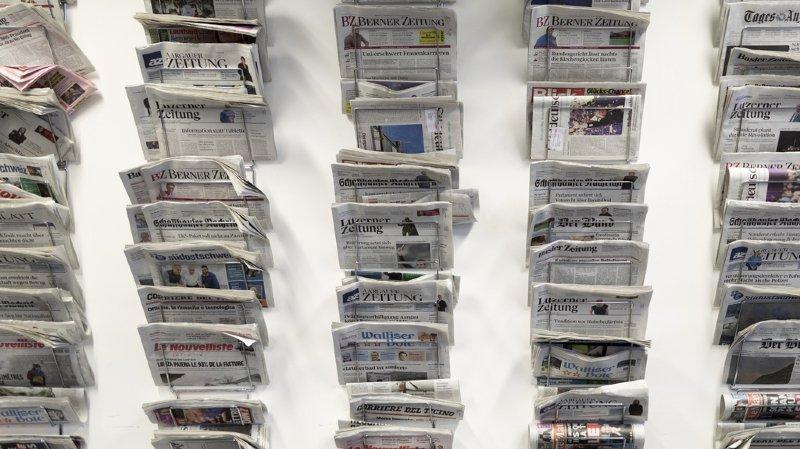 La double élection au Conseil fédéral du 5 décembre, mais aussi les notes de frais des fonctionnaires fédéraux et l'affaire Maudet font les titres de la presse dominicale suisse.