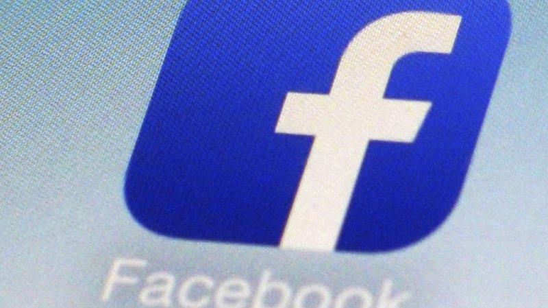 Pour de nombreux Suisses, les réseaux sociaux et le web en général les poussent à surconsommer.
