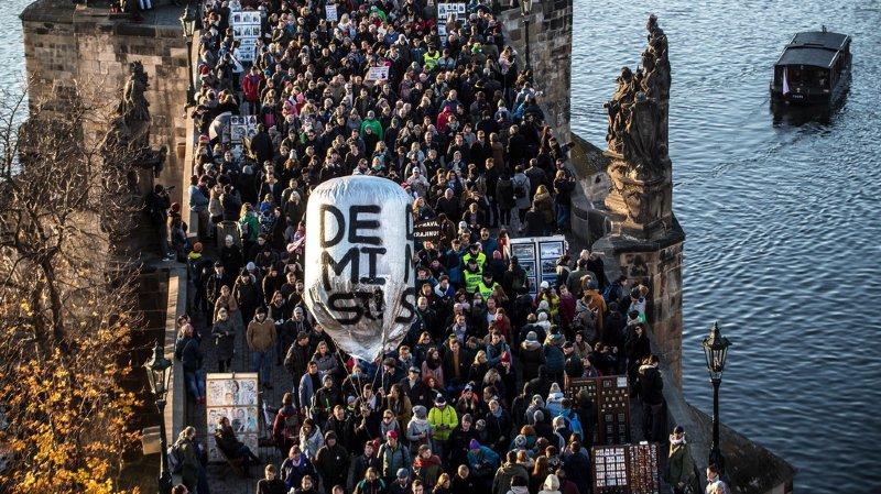 20'000 personnes ont demandé la démission du Premier ministre tchèque accusé de corruption.