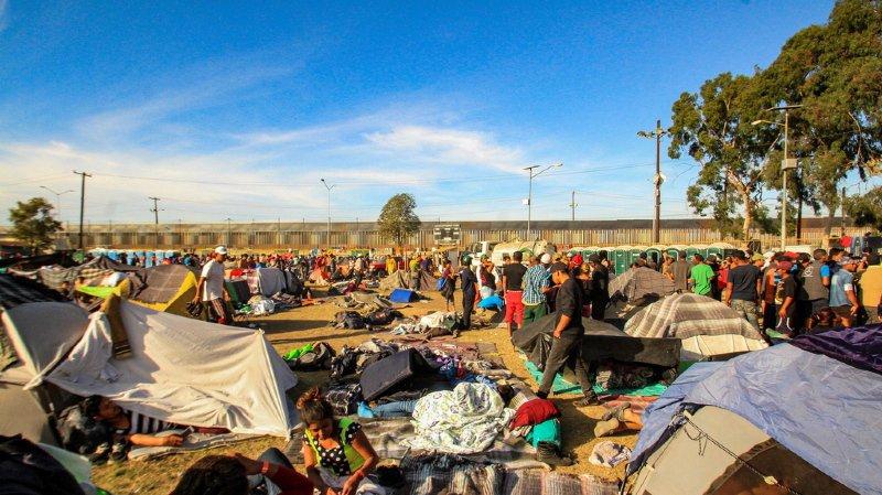 Mexique: plus de 4000 migrants à la frontière des Etats-Unis, les refuges saturés