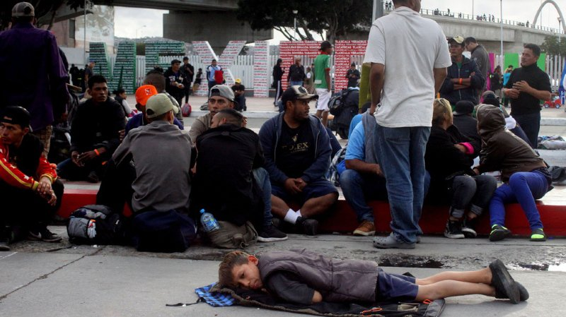 Amérique centrale: des centaines de migrants manifestent à Tijuana