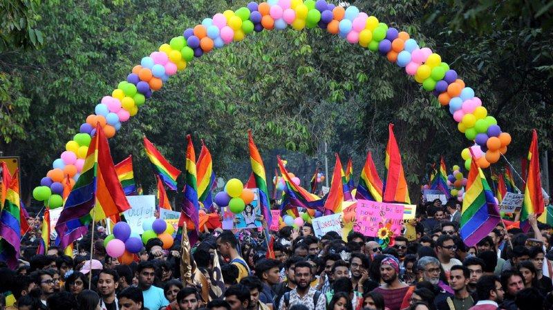 Inde: premier défilé LGBT depuis la dépénalisation de l'homosexualité