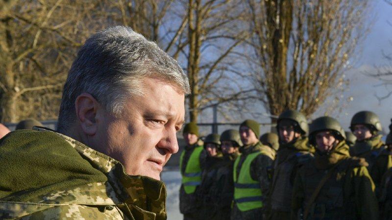 """Le président ukrainien demande le soutien de l'OTAN pour lutter contre """"l'agression"""" de la Russie."""