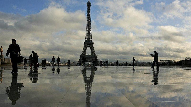 Enchères: un tronçon d'escalier de la tour Eiffel adjugé 190'000 francs