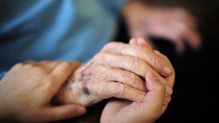 Santé: les soins à domicile progressent contrairement aux séjours en EMS
