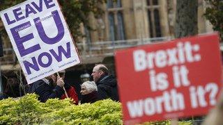 Londres: les députés eurosceptiques s'activent pour lancer un vote de défiance contre Theresa May