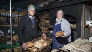 Grâce à Marjoleine Van Strijen et son mari, le marché de Neuchâtel sent bon le pain