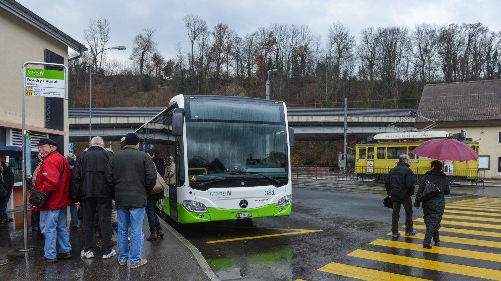 La liaison avec le Littorail et d'autres lignes se fait au terminus de la ligne à Boudry.