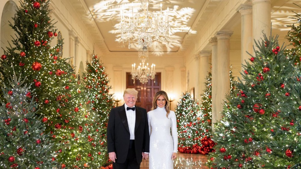 La carte de vœux façon «Shining» du couple Trump a été envoyée