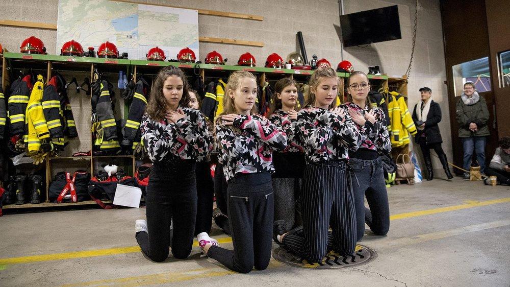 Au hangar du feu du Landeron, un spectacle de danse a été organisé pour le Téléthon.