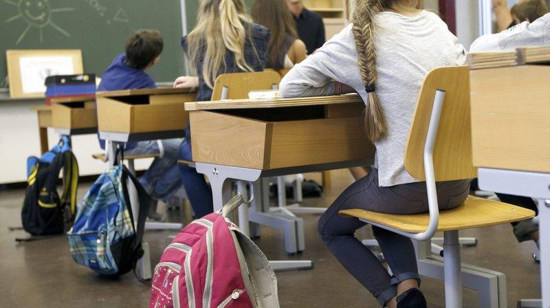 Double accusation pour l'enseignant neuchâtelois qui a été licencié