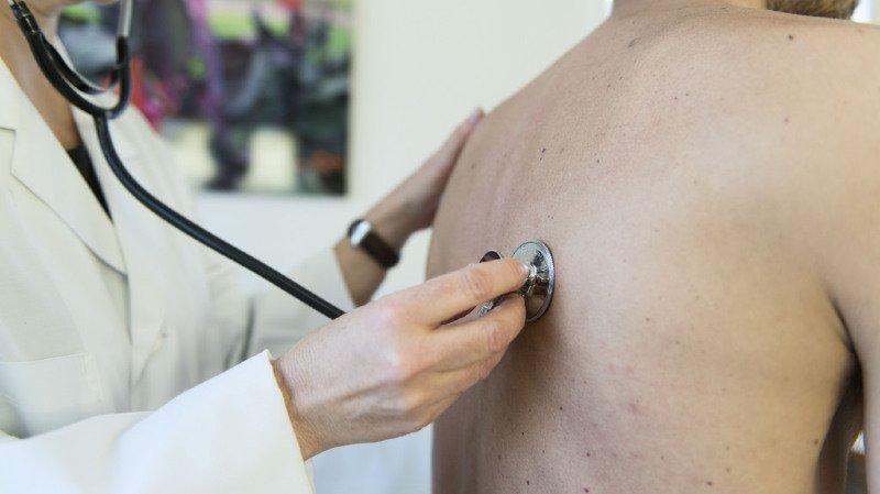 Santé: leur franchise épuisée, de nombreux Suisses se ruent chez le médecin en fin d'année