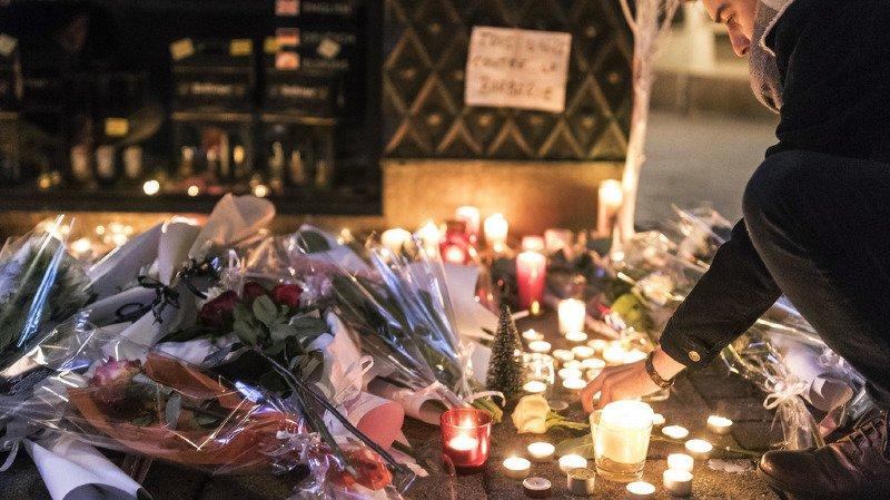 Attentat de Strasbourg: 2 morts, une personne en état de mort cérébrale et 12 blessés, la traque du tireur se poursuit