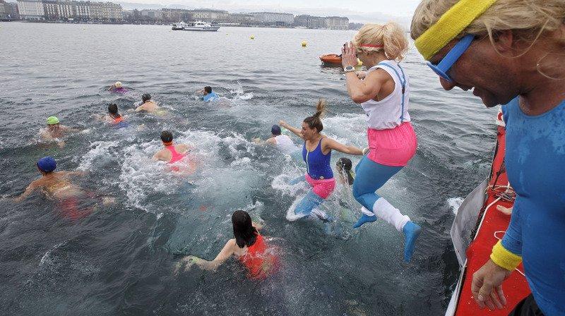Genève: 80e Coupe de Noël dans les eaux froides du lac Léman