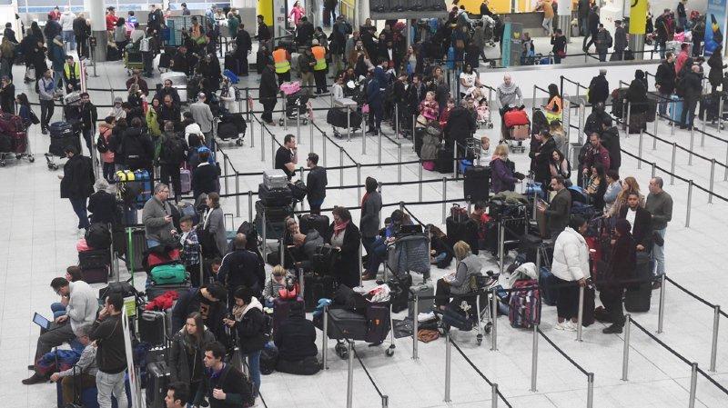 Londres: l'aéroport de Gatwick paralysé après avoir été survolé par des drones