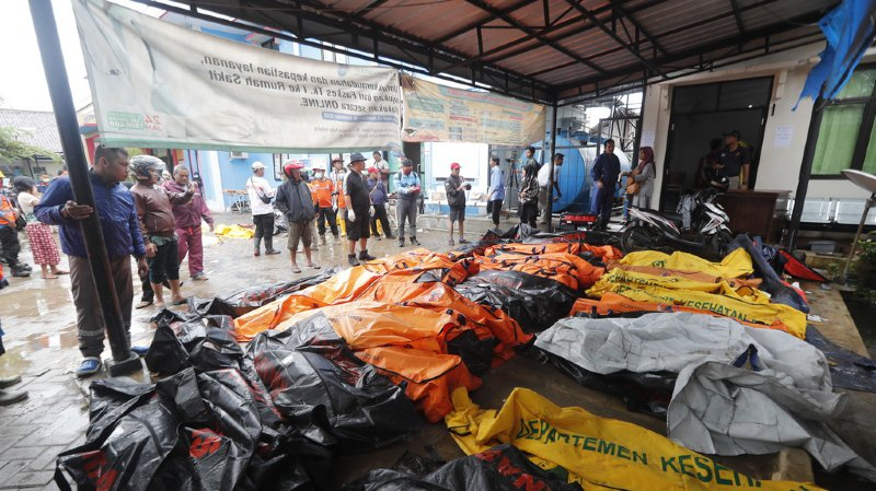Indonésie: un tsunami fait au moins 222 morts, des centaines de blessés et de nombreux disparus