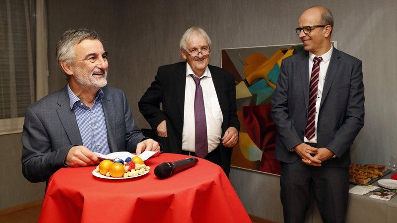 De gauche à droite: Patrick Corbat, président de la CCIJ, Jean-Frédéric Gerber, directeur sortant, et Pierre-Alain Berret, nouveau directeur.
