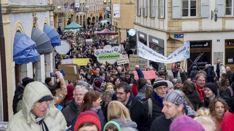 La Marche pour le climat a rassemblé toutes les générations à Neuchâtel