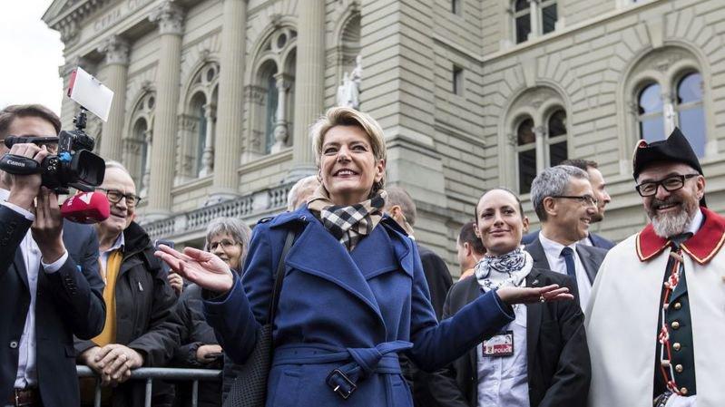 A peine Karin Keller-Sutter élue, son collègue du PLR Marcel Dobler et le PDC saint-gallois ont annoncé qu'ils briguaient le siège laissé vacant aux Etats par la nouvelle conseillère fédérale.