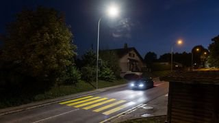 Les communes neuchâteloises libres de ne pas éclairer leurs passages pour piétons