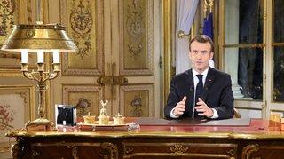 Gilets jaunes: les mesures annoncées lundi par Emmanuel Macron peinent à convaincre