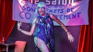 Un spectacle d'artistes transformistes a mis le feu à un bar neuchâtelois