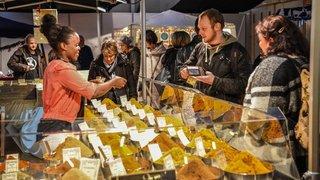 Le savoir-faire artisanal attire la foule sur la place du Port à Neuchâtel