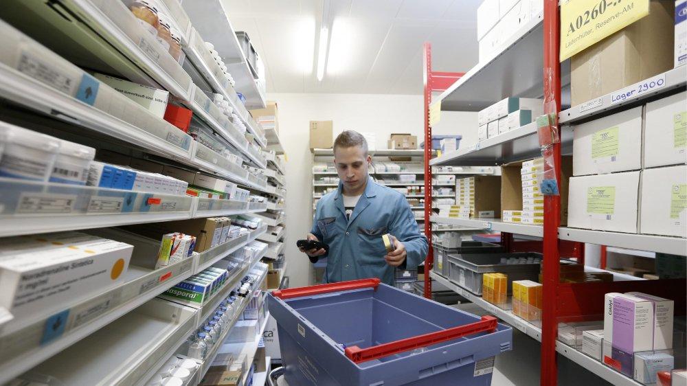 Les pharmaciens neuchâtelois se démènent au quotidien pour trouver des solutions aux pénuries de médicaments.