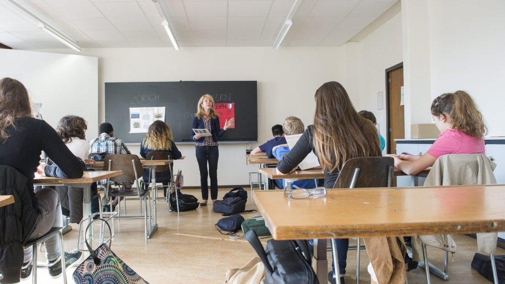 Un cours d'allemand dans une classe, ici dans un collège de Genève.