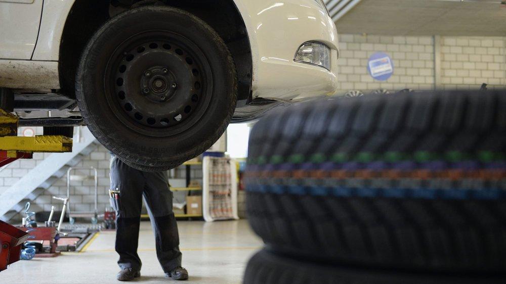 Dans le canton de Vaud, 25 tonnes de plastique provenant de l'usure des pneus finissent chaque année dans le lac Léman.