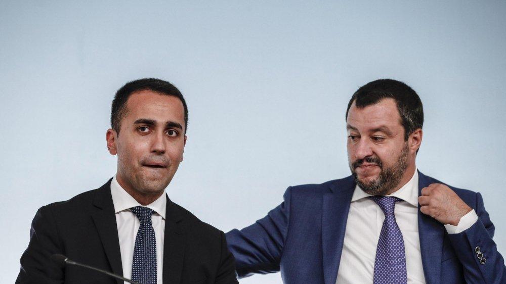 Matteo Salvini (Ligue, à dr.) et Luigi Di Maio (M5S) ne veulent pas froisser leurs électeurs.