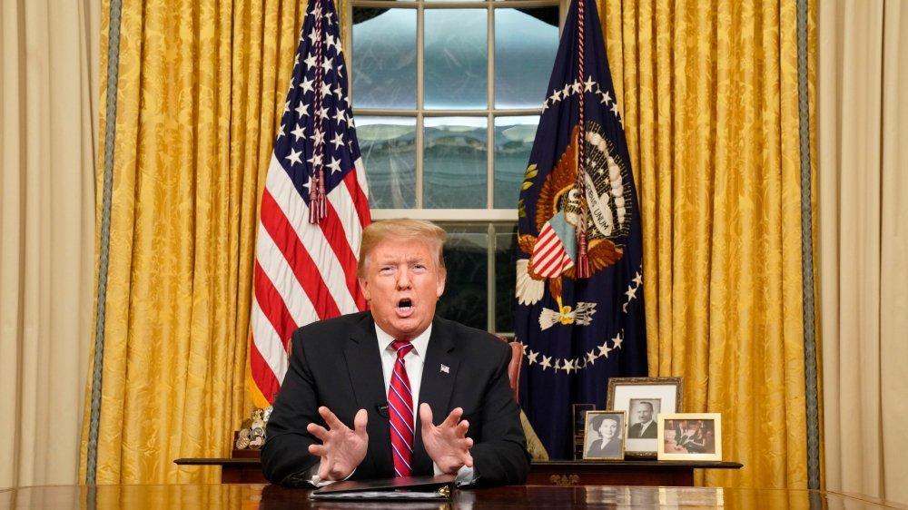 Donald Trump s'est exprimé, mardi, depuis le bureau ovale.