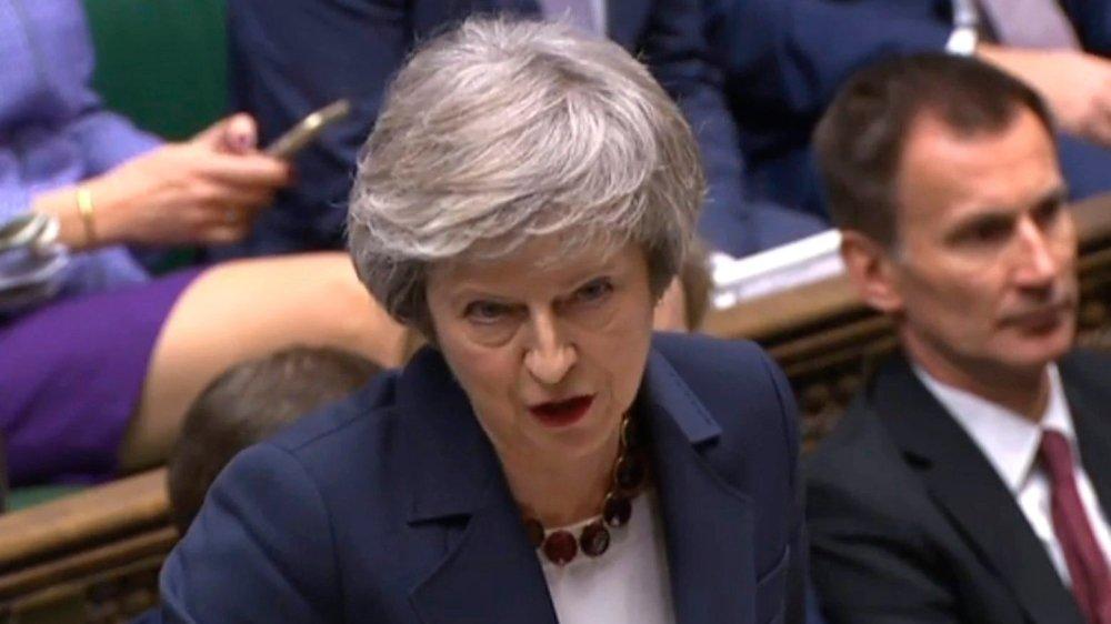 Theresa May a essuyé deux défaites au Parlement britannique en moins de 24heures.