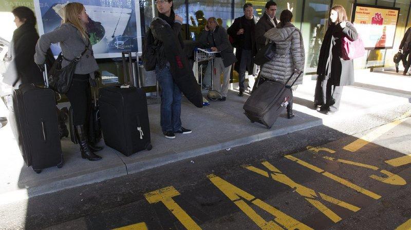 Grève: les taxis ont repris le travail à Genève Aéroport