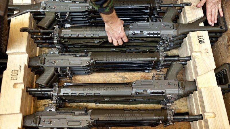 Armée: 107 pistolets et fusils d'assaut ont disparu en Suisse en 2018