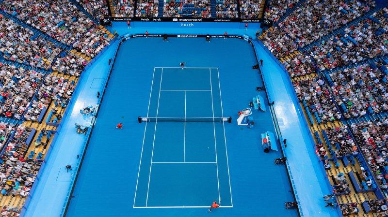 Plus tôt, Roger Federer avait donné le premier point aux Suisses grâce à un succès 6-4 6-1 contre Frances Tiafoe.