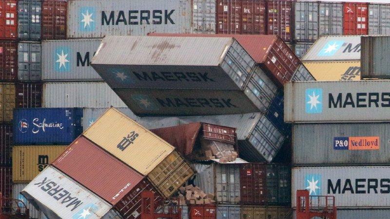 Pris dans la tempête, le MSC Zoe a perdu une partie de sa cargaison au large des côtes néerlandaises.