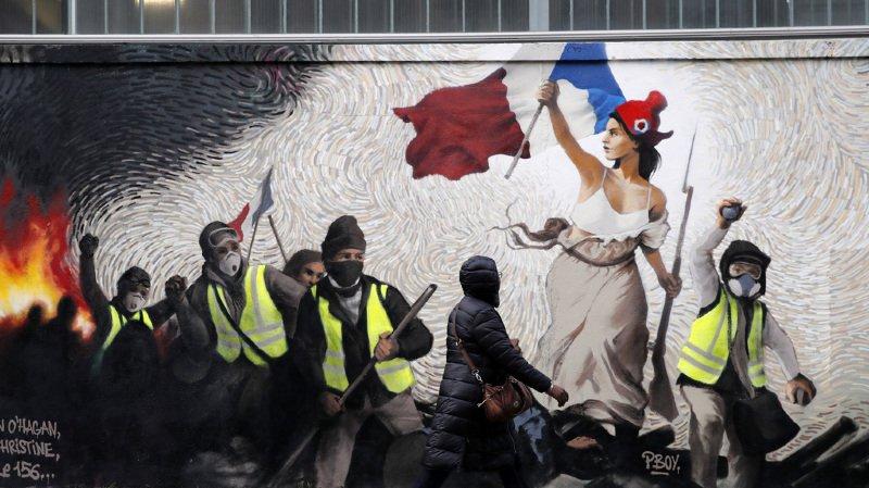 """Le président français, Emmanuel Macron, lance le grand débat, alors que la contestation des """"gilets jaunes"""" continue à gronder en France."""