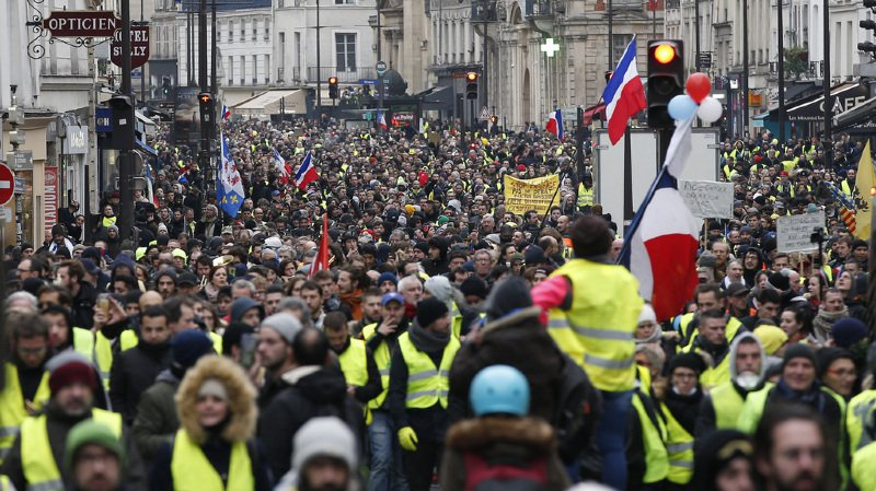 «Gilets jaunes»: 32'000 manifestants dont 8000 à Paris