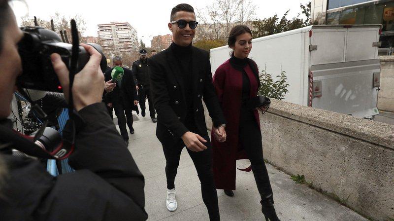Fraude fiscale: Cristiano Ronaldo écope d'une amende de 18,8 millions d'euros et d'une peine de 23 mois de prison